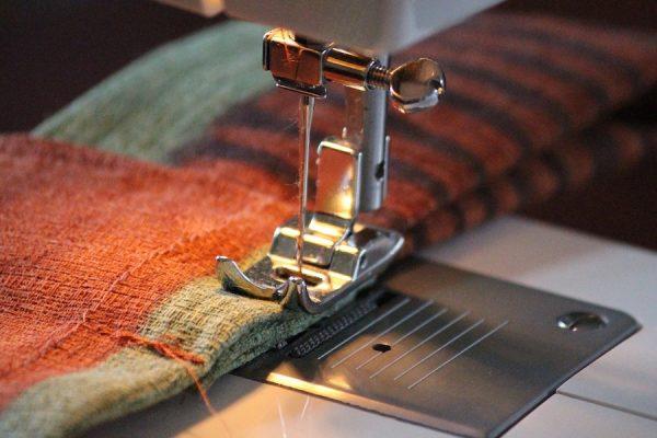 fabric feed sewing machine